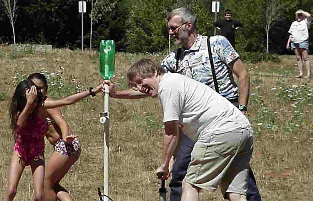 water bottle rocket launcher instructions